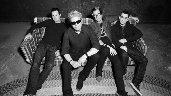 "Dexter Holland talks about the new The Offspring album ""Sounds Like Our Old Shit"""