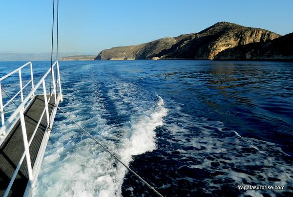 Barco para a ilha de Hidra, Grécia