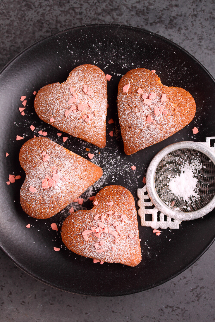 #cake-#dessert,Caramel hearts are soft caramel pieces dipped in chocolate and can be a beautiful, delicious alternative to Valentine's Day gifts #cake #valentinesday #dessert #caramel #chocolate #hearts