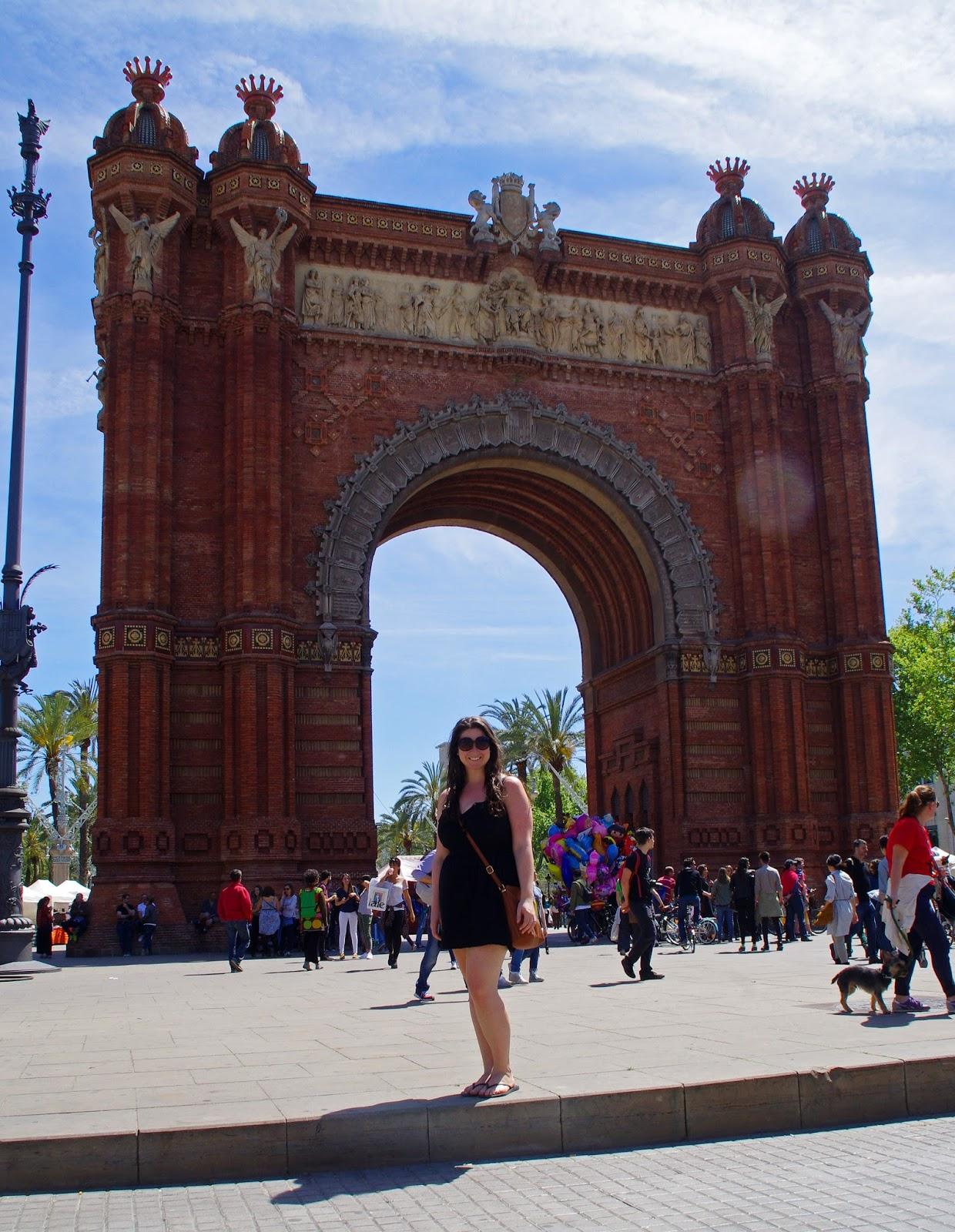 Simone at Arc de Triomphe Barcelona