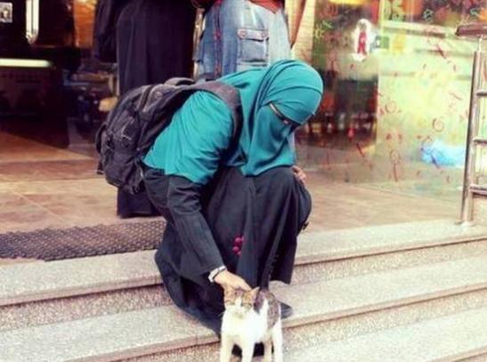 Innalillahi... Sekolah Prancis Usir Siswi Muslimah Karena Pakai Rok Panjang