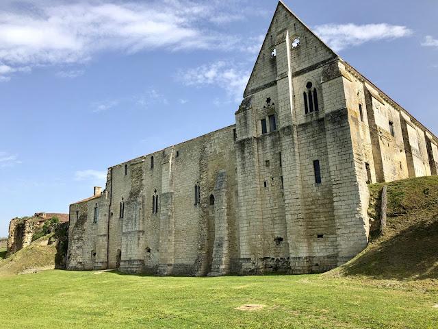 Abația Maillezais