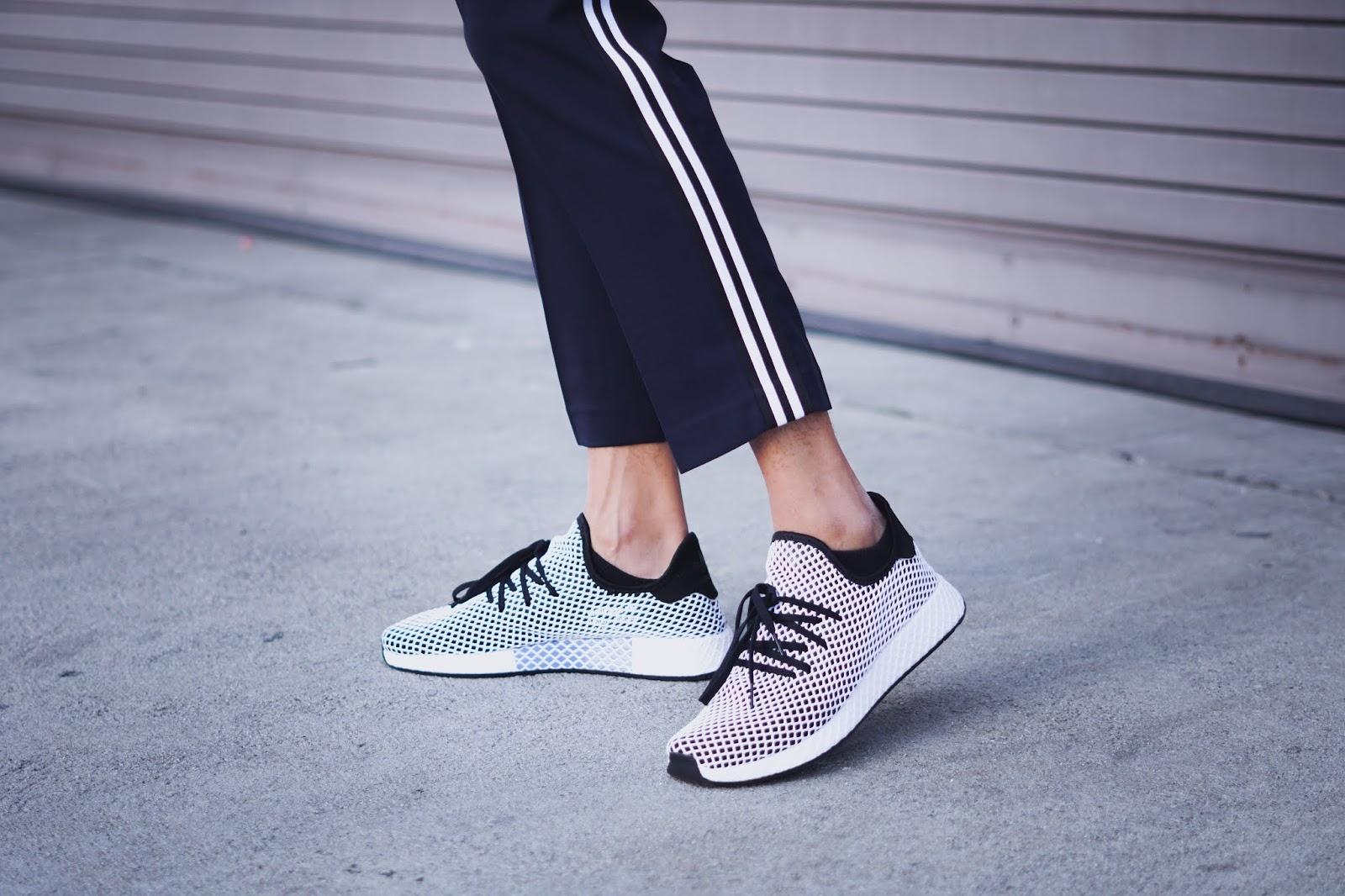 mens fashion mens wear on the go sneaker for men best on the go shoe Adidas deerupt