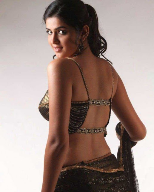 Deeksha Seth saree hot
