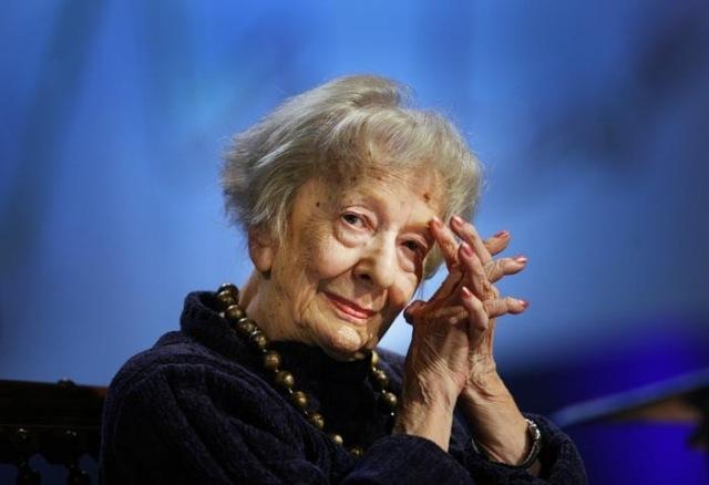 A poetisa polonesa Wislawa Szymborska .