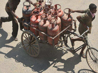 Oil companies are going to implement new delivery system from November 1, now OTP has to be given to get LPG cylinder.