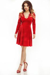 unde-poti-purta-rochii-de-seara-rosii-2