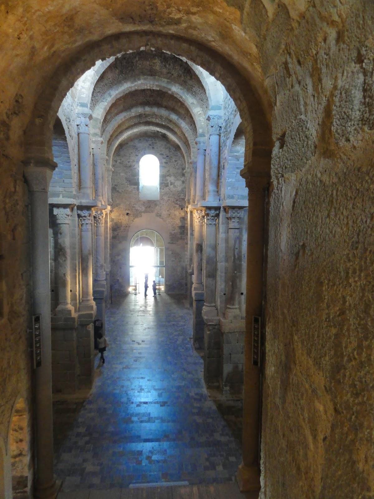 Interior esglèsia de Sant Pere de Rodes