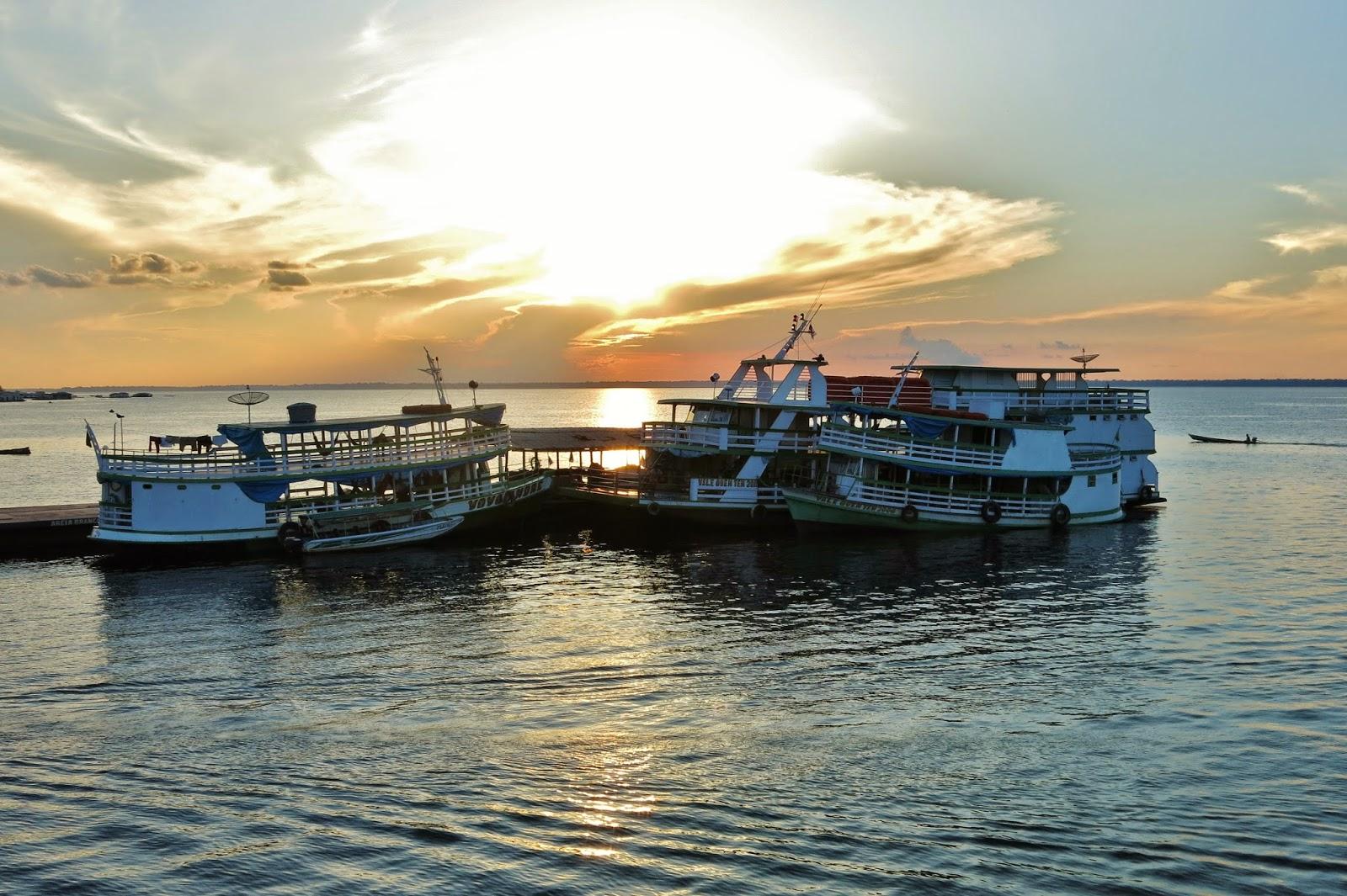 Viagem pelo Rio Solimões, entre Tefé e Manaus.