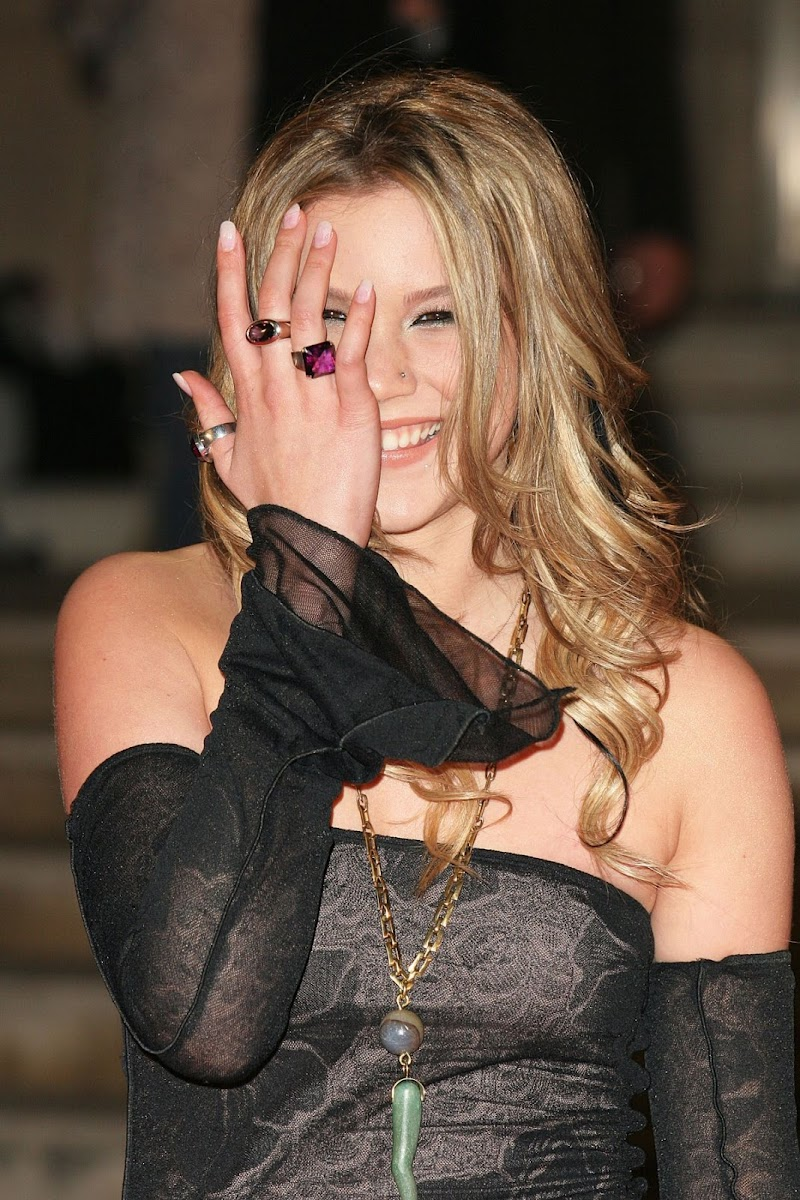 Joss Stone Clicks at Brit Awards 2005 in London 9 May-2020