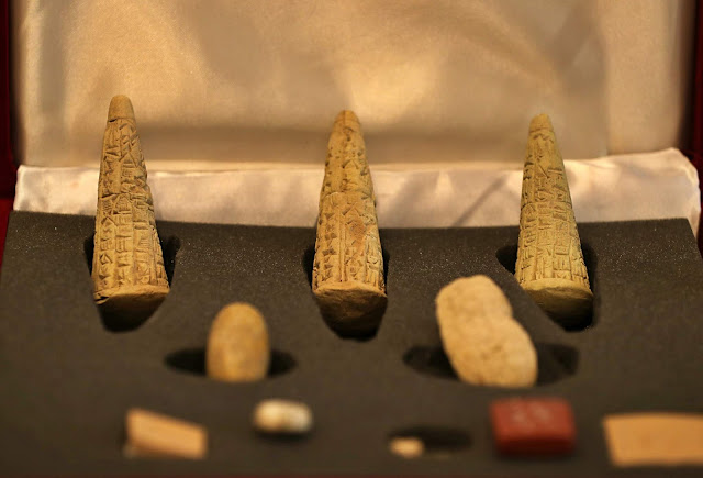 Iraq displays stolen artifacts recovered from UK, Sweden