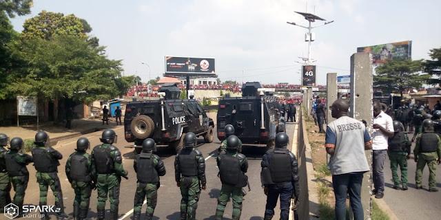Guinée/marche du FNDC: altercation entre forces de l'ordre et manifestants