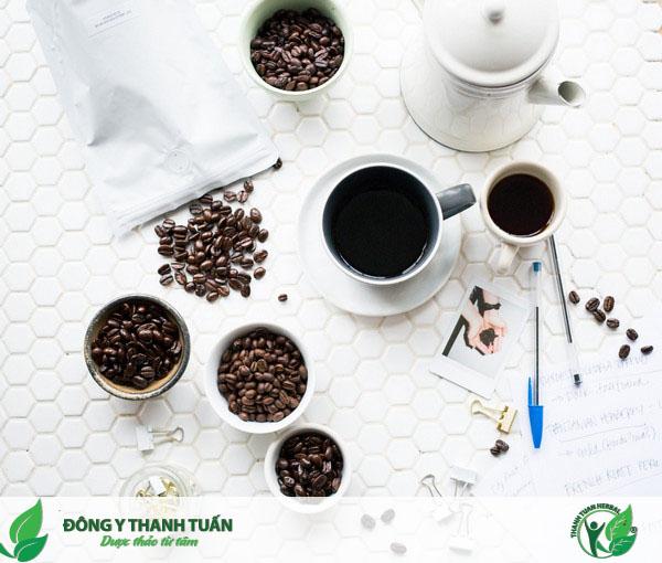 Hãy tránh xa cà phê, nước ngọt,... nếu bạn muốn có một hơi thở thơm tho
