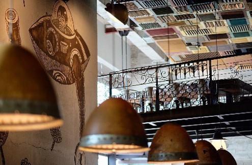 Potato Head Jakarta - Restoran Romantis di Jakarta