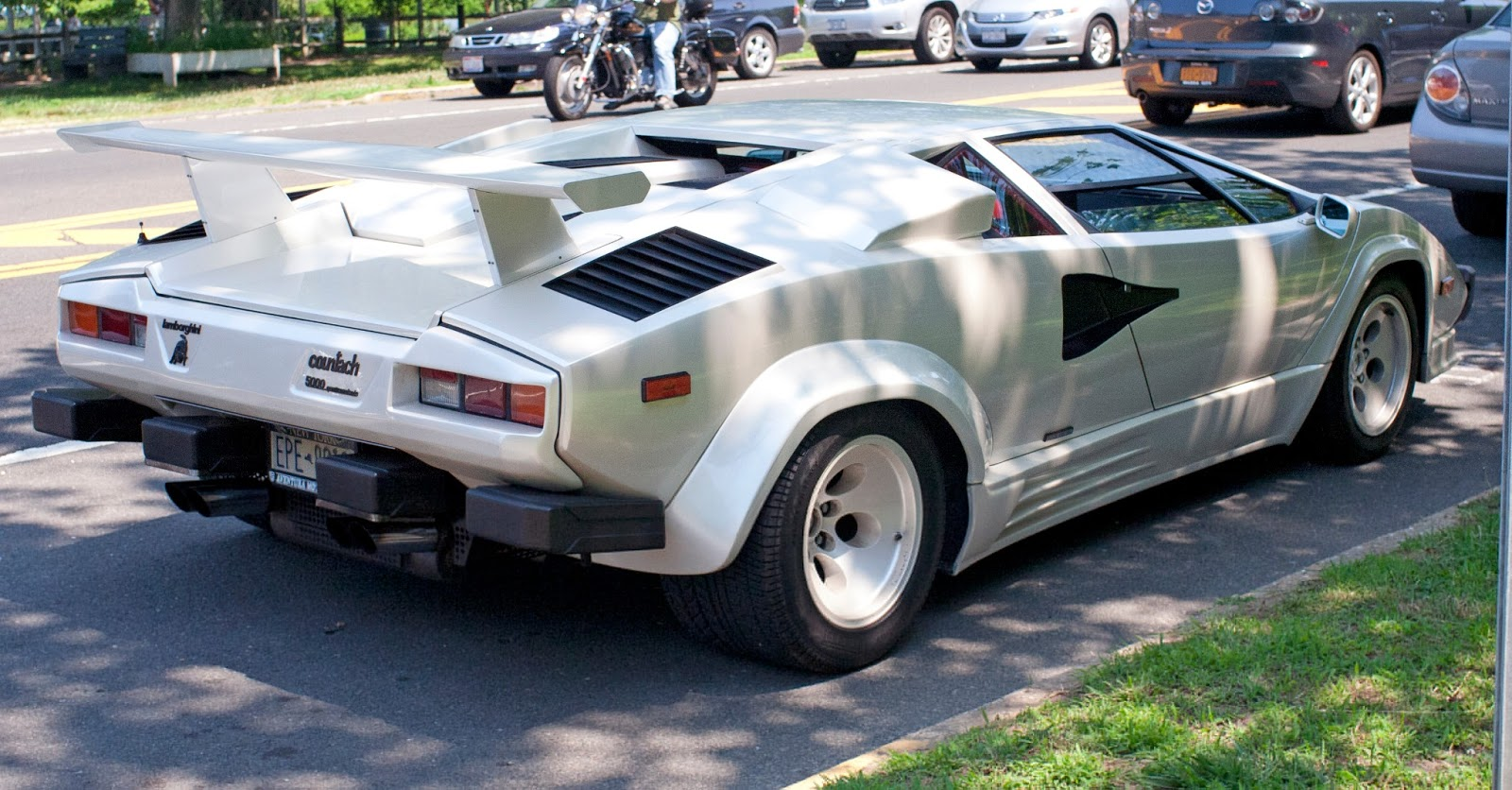 Luxury Lamborghini Cars: Lamborghini Countach 5000