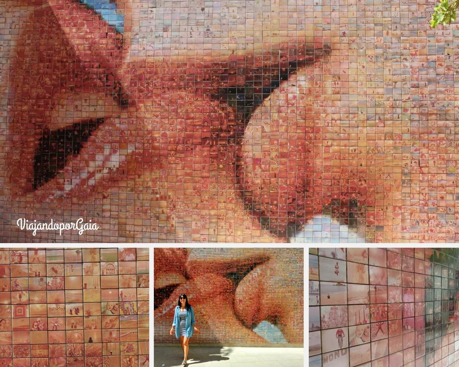 Los 4001 momentos de libertad que componen el fotomosaico 'el món neix en cada besada', además del detalle de éstos.