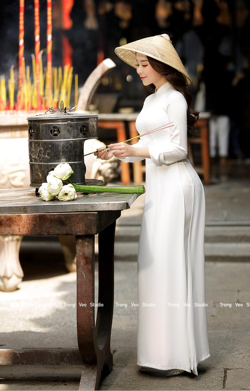 Ngắm hot girl Lục Anh xinh đẹp như hoa không sao tả xiết trong tà áo dài truyền thống - 23