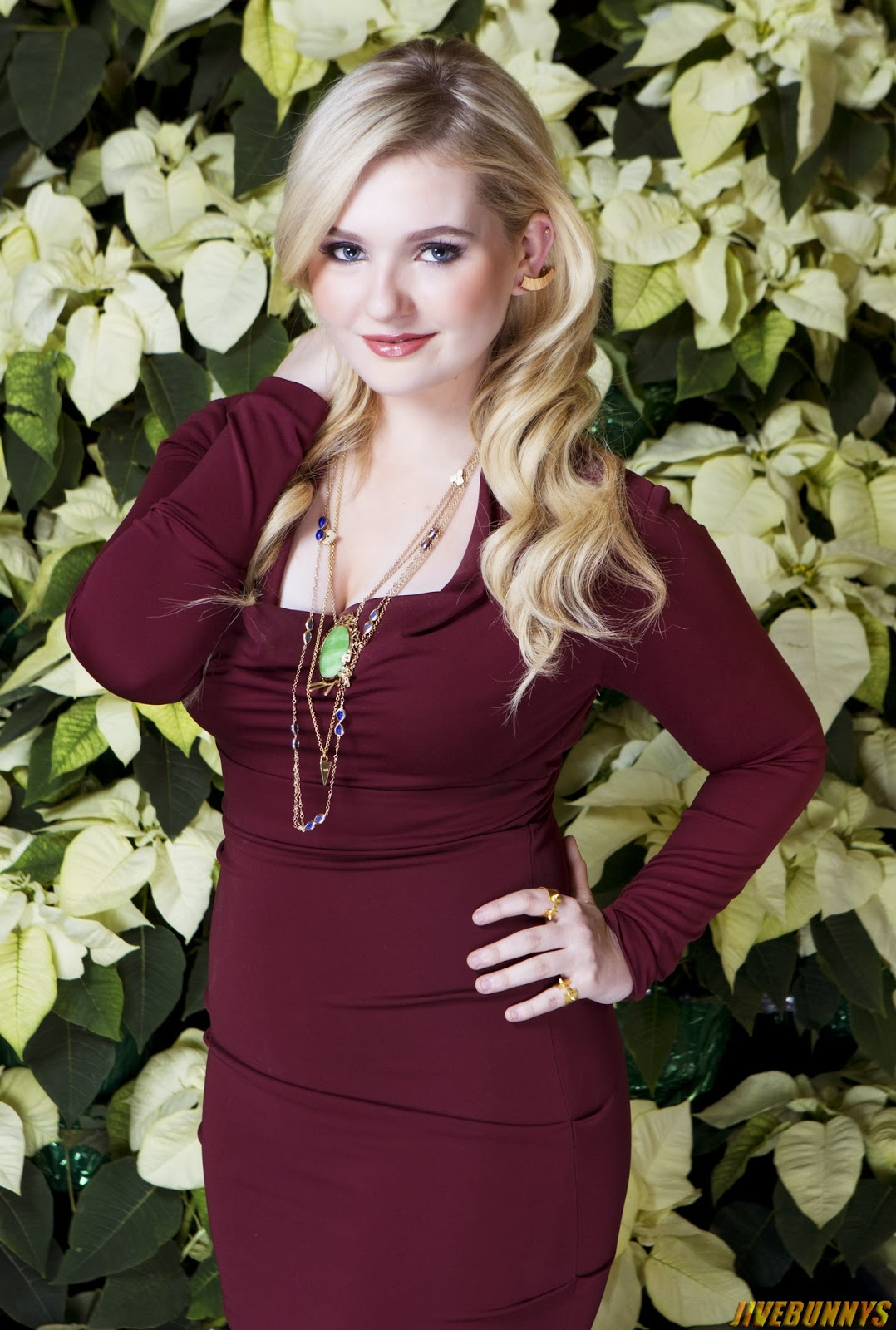 Abigail breslin scream queen images collection