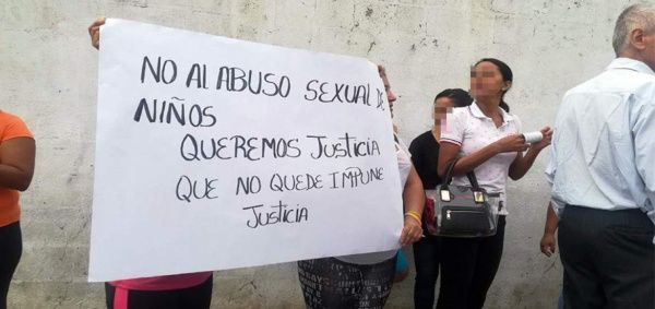 Niños abusados por profesor en Ecuador serían alrededor de cien
