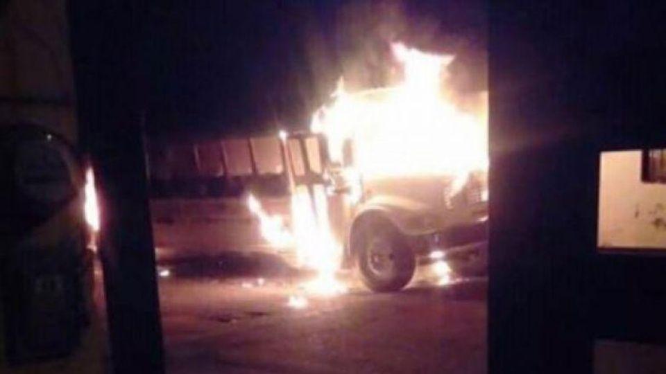 Queman 9 camiones en Ciudad Juárez, hay heridos
