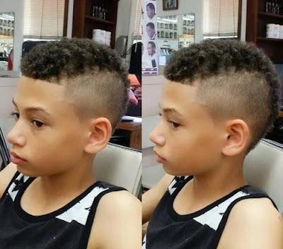 foto model potongan rambut anak laki-laki keriting