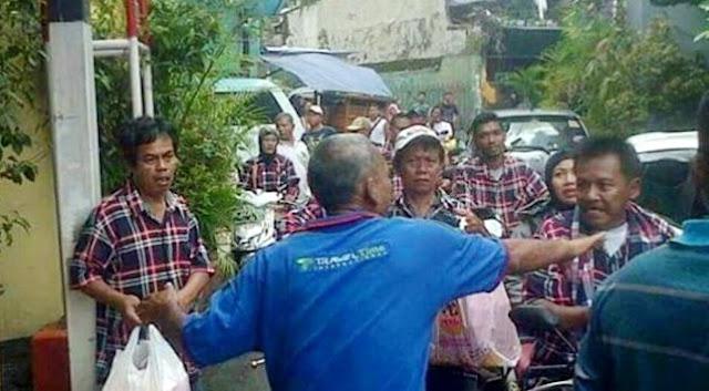 Bikin Rusuh Di TPS, Pasukan Ahok Diusir Panitia Dan Babak Belur Setelah Dihajar Warga
