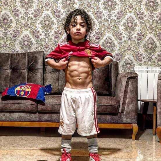 4 Unknown Facts About Arat Hoseini, the 6 Year Old Boy with Six Packs
