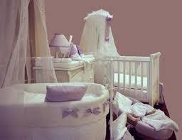 Cuarto de bebé lila