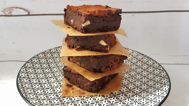 Brownies veganos de judías negras sin gluten y sin harina