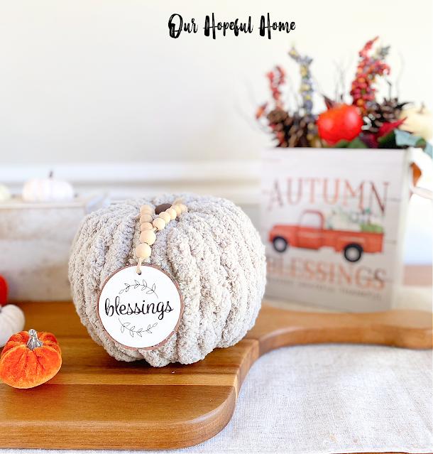 gray chunky yarn pumpkin wood bead garland