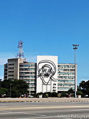 Camilo Cienfuegos przy Placu Rewolucji w Hawanie