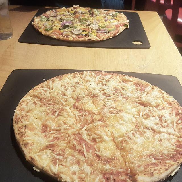 Trying Violife Vegan Cheese at Pizza Hut