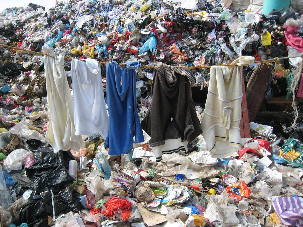 fast fashion plastic pollution
