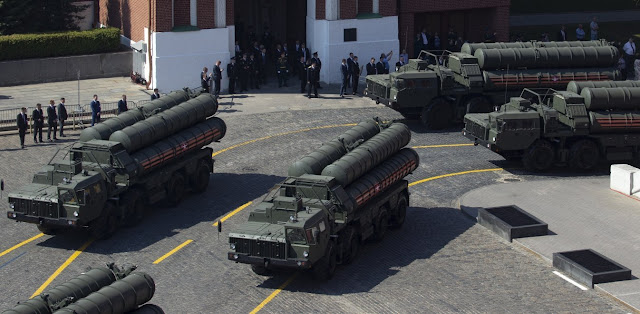 S-400: Η Μόσχα δηλώνει έτοιμη για νέα συμφωνία με την Άγκυρα