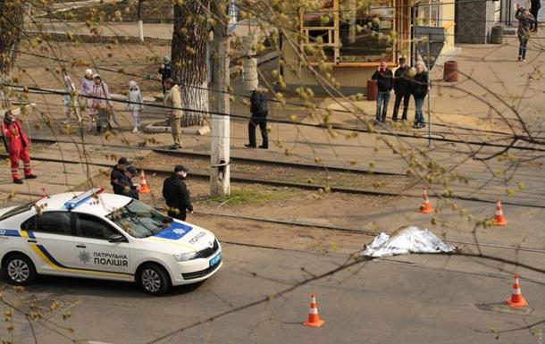 У центрі Одеси пенсіонерка загинула під колесами трамвая