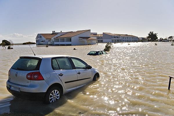 «Météo extrême» et catastrophes climatiques: la France dans les pays les plus risqués