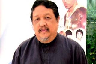 Didi Petet telah banyak membawa inspirasi dalam dunia akting di Indonesia, berkat beliau dunia akting  Sudah semakin maju seperti saat ini walaupun ada beberapa sinetron yang tidak sesuai harapan kita.  Biodata  Nama Asli : Didi Widiatmoko  Nama Lain : Didi Petet  Lahir : 12 Juli 1959  Meninggal : 15 Mei 2015  Pekerjaan : Aktor  Tahun aktif : 1985 - 2015  Agama : Islam Biografi  Dari panggung layar lebar, Didi Petet kemudian terjun ke dunia sinetrn. Cintaku Dirumah Susun, Losmen, Maha Kasih, Buku Harian, Dunia Tanpa koma dan Primadona merupakan daftar sinetron yang pernah dibintangi oleh Didi Petet.Seiring kebangkitan dunia perfilman awal tahun 2000an, Didi Petet kemudian kembali memainkan perannya dalam film anak-anak yang berjudul Petualangan Sherina. Selain filmtersebut, Didi Petet juga bermain dalam film lain yang berjudul Lost in Papua, Emak Naik Haji, Dibawah Lindungan Ka'bah, serta pasir berbisik dan juga Ketika Cinta Bertasbih yang diangkat dari Novel Karya Habiburrahman El Shirazy dan juga lain-lain.  Nominasi sebagai Pemean Utama Pria Terfavorit dan juga pasangan terbaik dan pasangat terfavorit diraihnya di ajang Indonesian Movie Award dalam filmnya yang berjudul Jermal tahun 2009. Namun dalam ajang itu terjadi kontroversi sebab Didi Petet merupakan Ketua Dewan Juri di Ajang tersebut.Pada tanggal 15 Mei 2015, Didi Petet meninggal dunia karena penyakit Lambung yang telah lama dideritanya. Kematian Didi Petet juga mengagetkan dunia hiburan tanah air sebab artis senior tersebut sebelumnya sangat terlihat sehat.