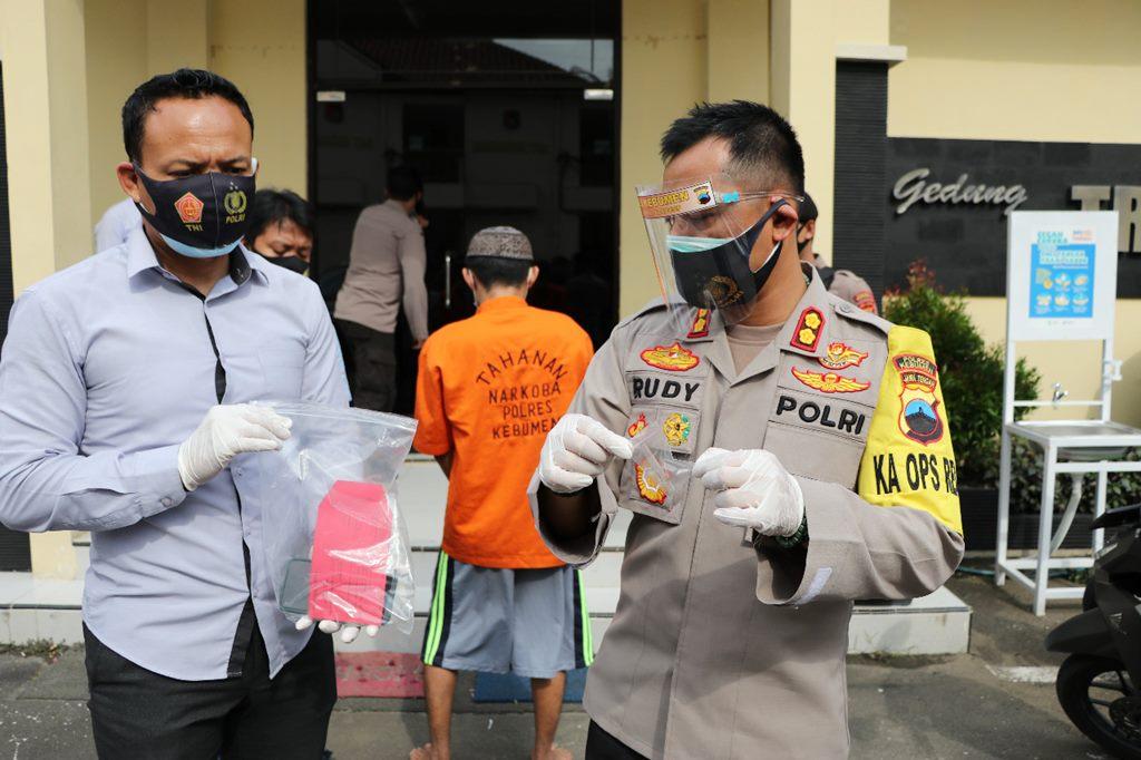Duh! Datang ke Polres Kebumen, Pemuda ini Lupa Bersihkan Sisa Sabu