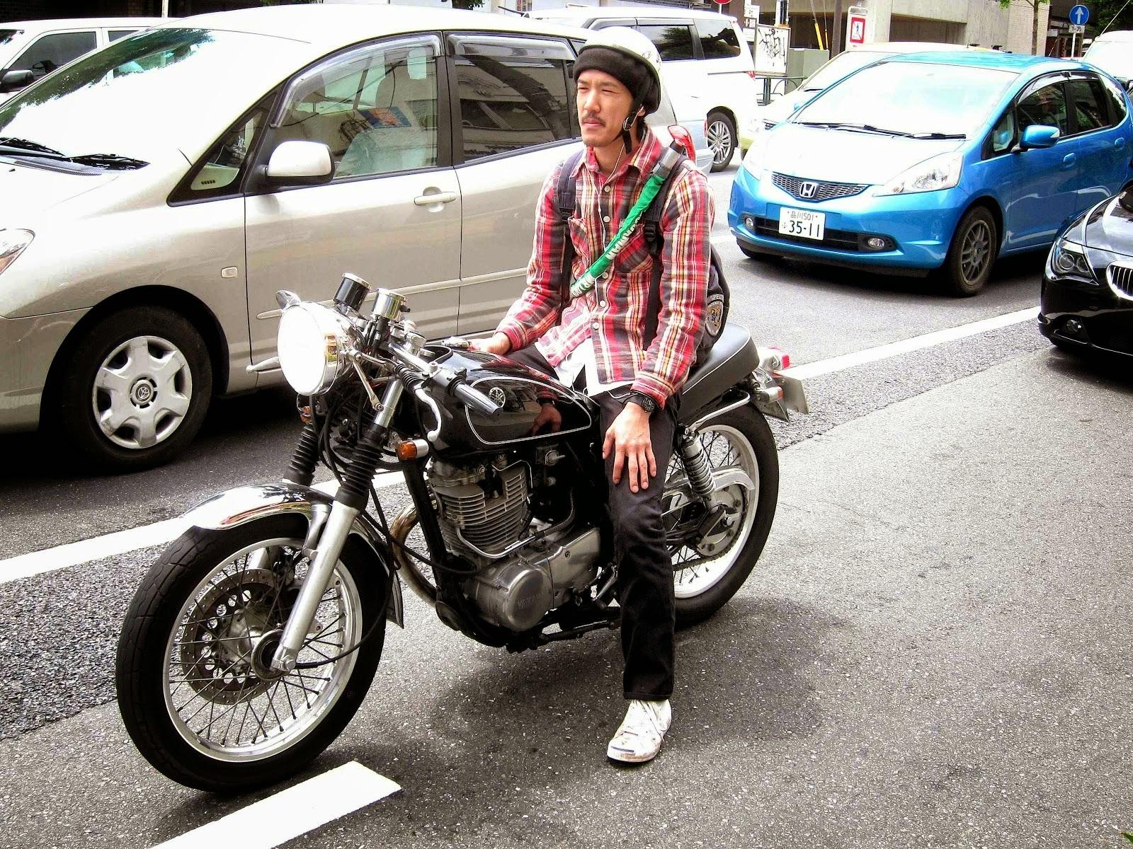 revue de presse dis c 39 est comment la moto a tokyo premi re partie. Black Bedroom Furniture Sets. Home Design Ideas