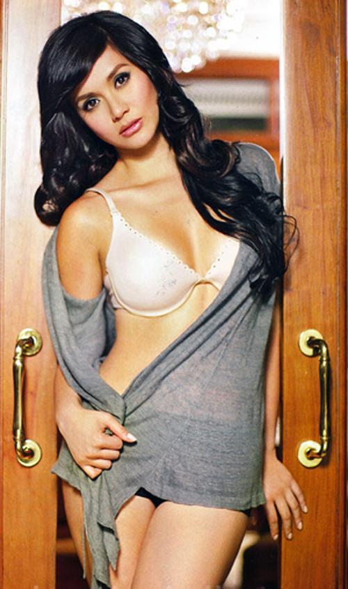 mariel rodriguez sexy magazine bikini scan
