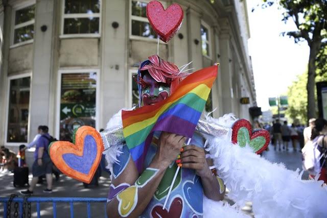 A BARCELLONA E IN CATALOGNA SUSSIDIO AI GIOVANI LGBT DISCRIMINATI