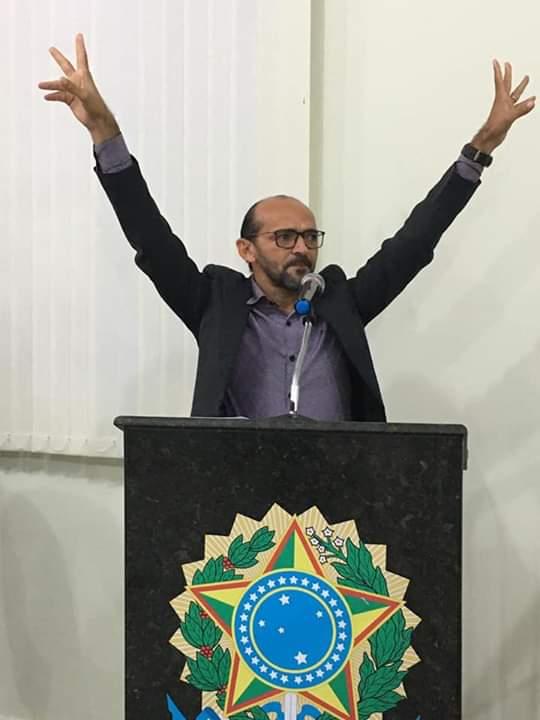 Pré-candidato a prefeito de Passira, Gílson Nascimento lança campanha por Lei de Redução de Salários do executivo, legislativo e comissionados.