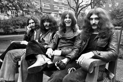Black Sabbath - Paranoid (1970) Audio and Lyrics