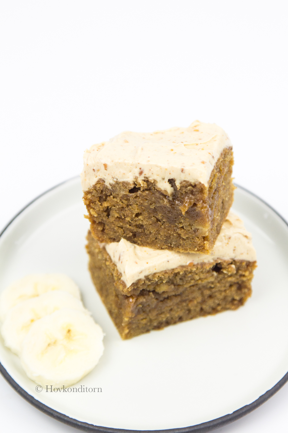 Hovkonditorn: Banana Cake with Peanut Butter Frosting