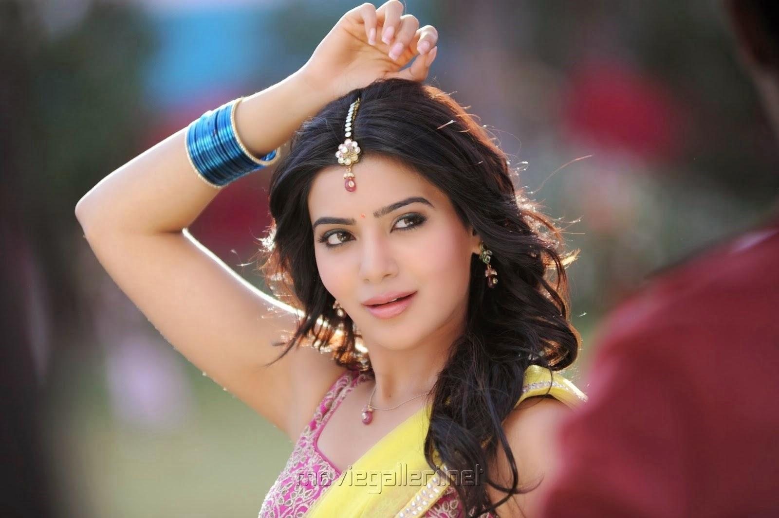 Cute Surya Wallpapers Samantha Hot Images In Ramayya Vasthavayya Great Actress