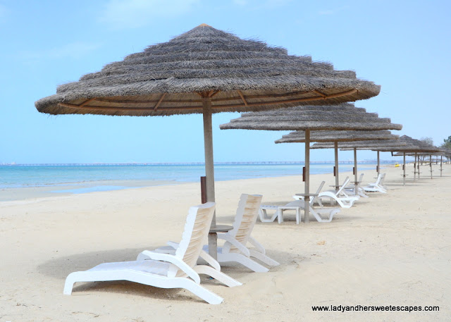 white sand beach in Jebel Dhanna
