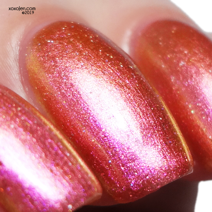 xoxoJen's swatch of kbshimmer Stay Toasty My Friends