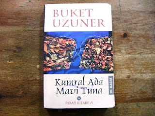 Kumral Ada Mavi Tuna, Buket Uzuner