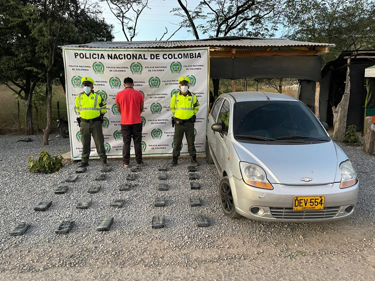 hoyennoticia.com, Sorprendido con 25 kilos de coca en Hatonuevo