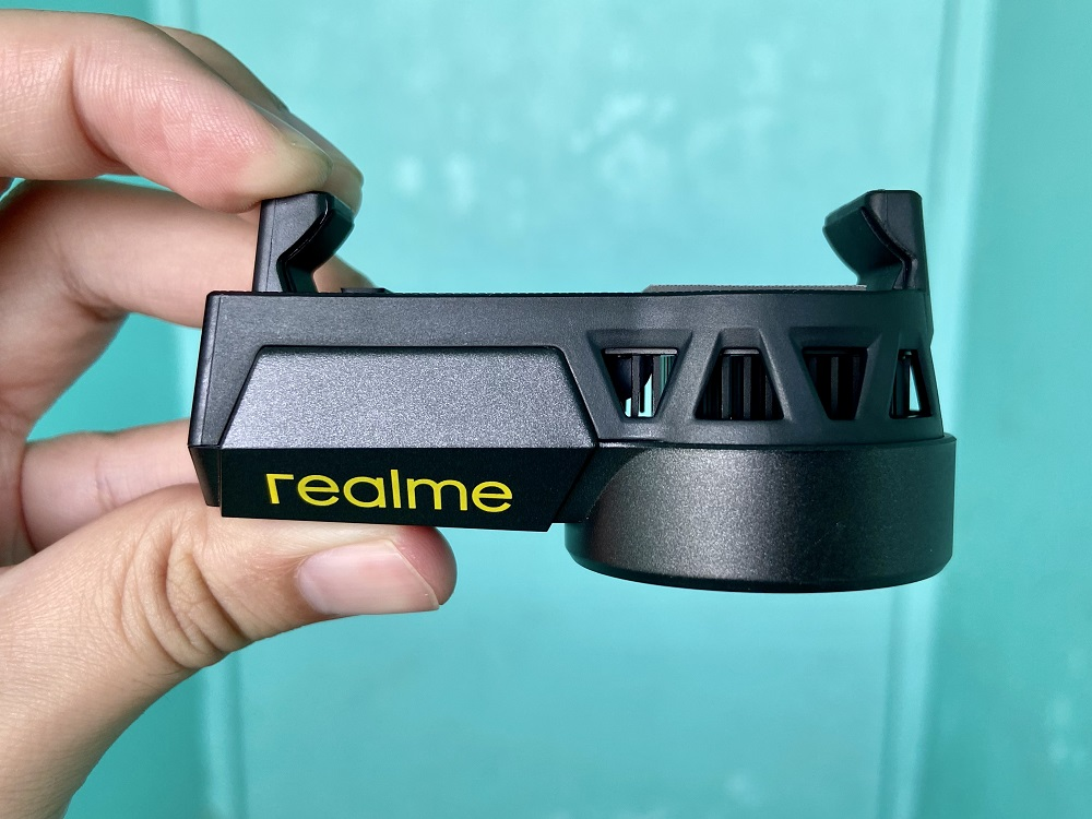 realme Cooling Back Clip - Dual Cooling Technology